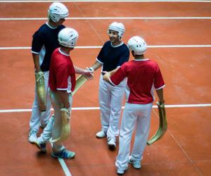 Trouver un groupe de joueurs de pelote basque