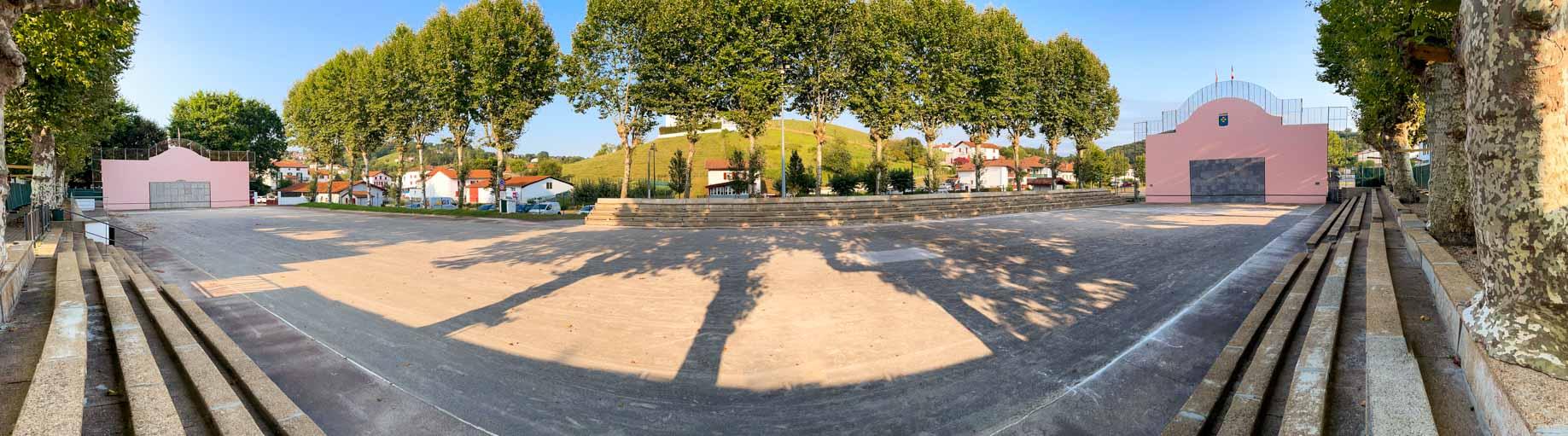 magnifique double fronton place libre Hasparren